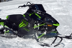 The XF 9000 High Country Turbo is big-bang-for-your-buck snowmobile. This is a snowmobile that any crossover lover would want. Quiet, strong, fast and well-equipped for mountain, trail and meadow.