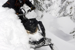 2019-Ski-Doo-Summit-X-3
