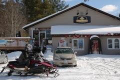 Frosty-Pint-Pub-Snowmobiles