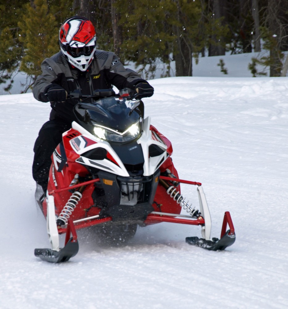 Impressions on the 2017 ski doo 850s and yamaha sidewinder for Yamaha snow mobiles