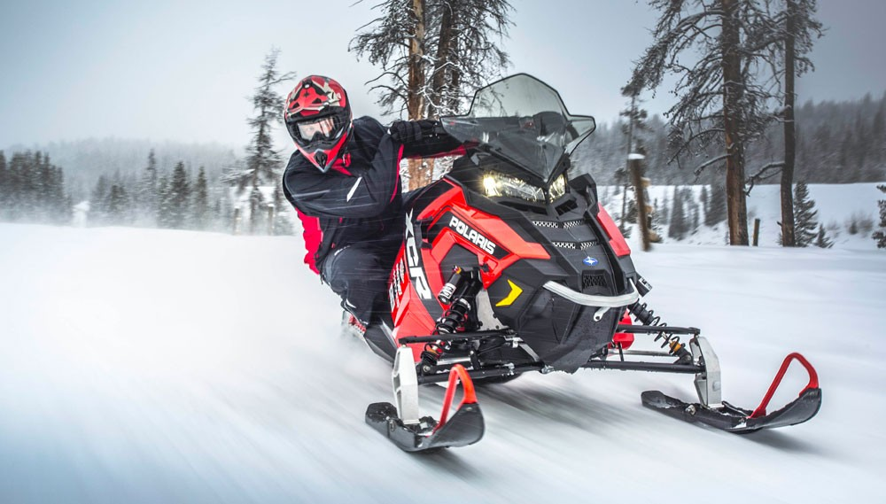 2017 Polaris 600 Rush XCR Action