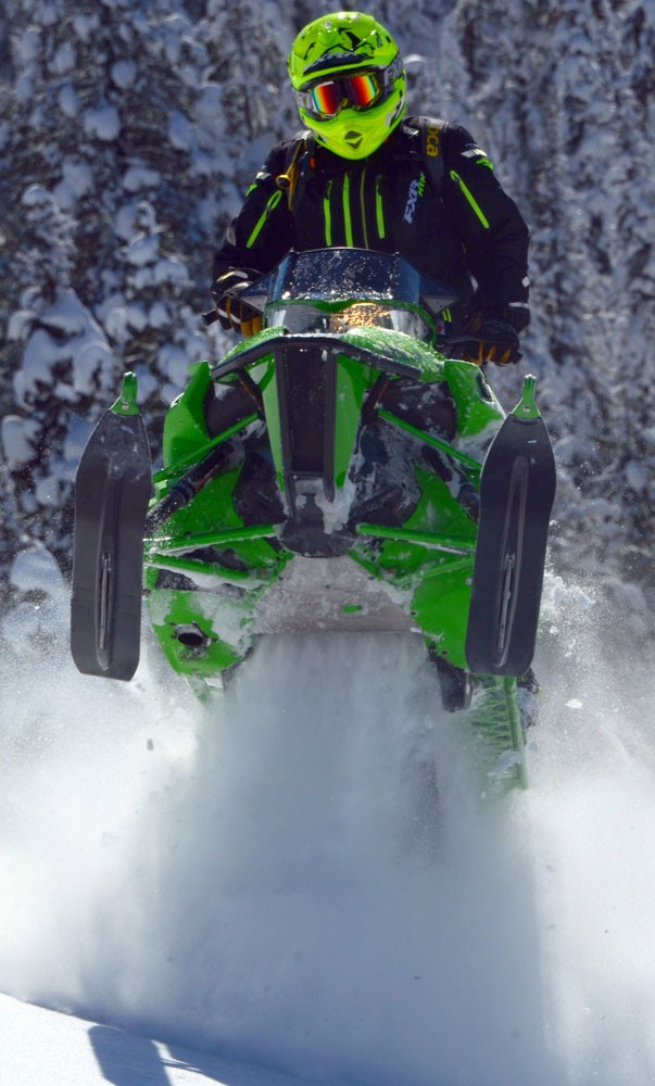 2017 Arctic Cat M 8000 Mountain Cat Action Skis Up