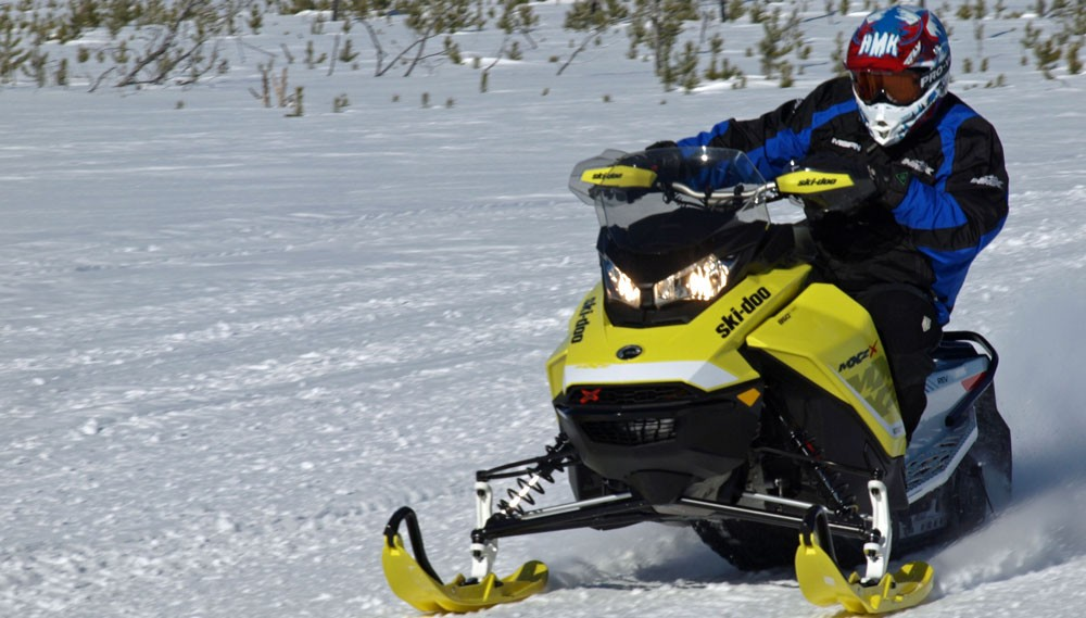 2017 Ski-Doo MXZ X 850 Action Cornering