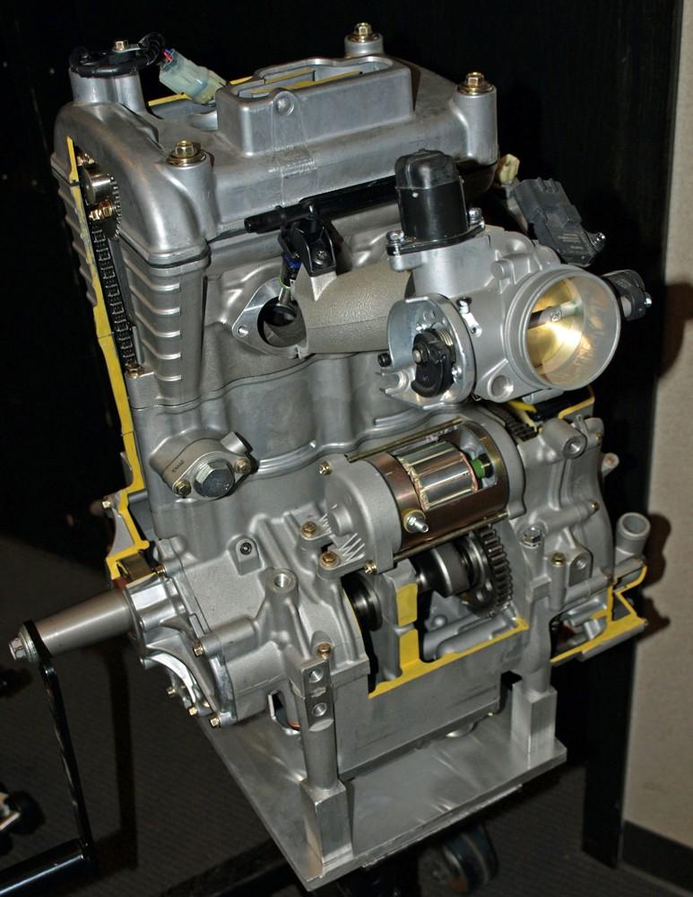700 Engine Cutaway