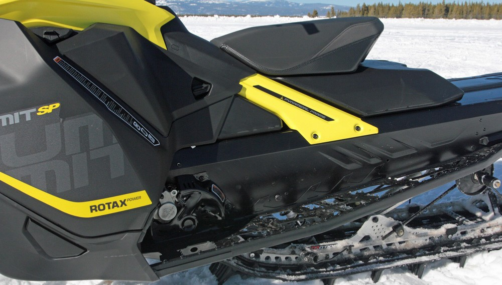 2017 Ski-Doo Summit SP 850 Body