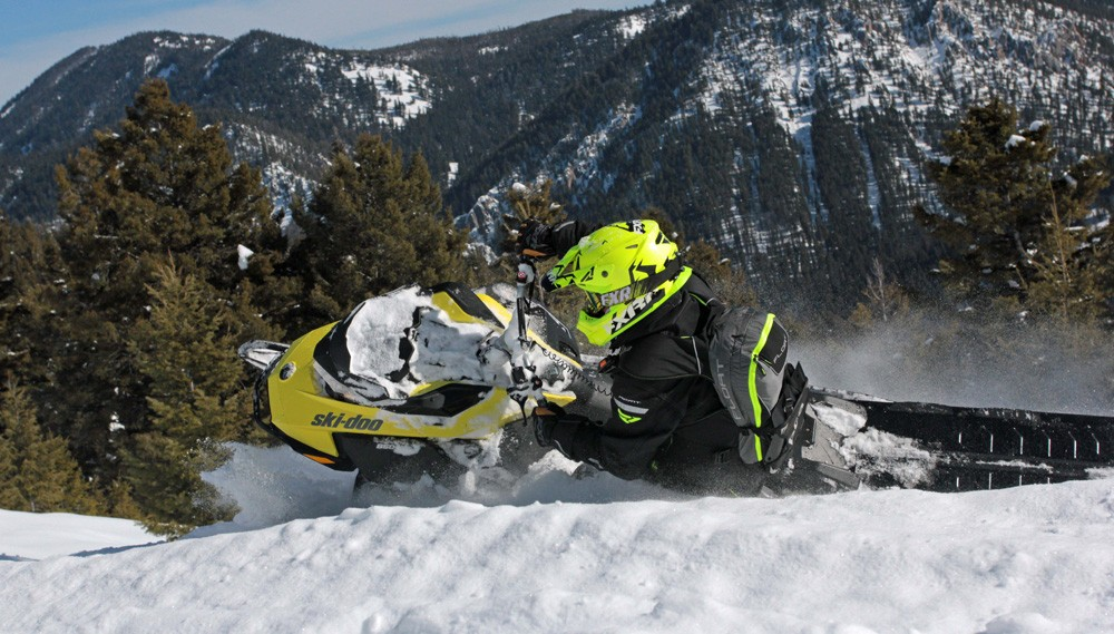 2017 Ski-Doo Summit SP 850 Rider Input