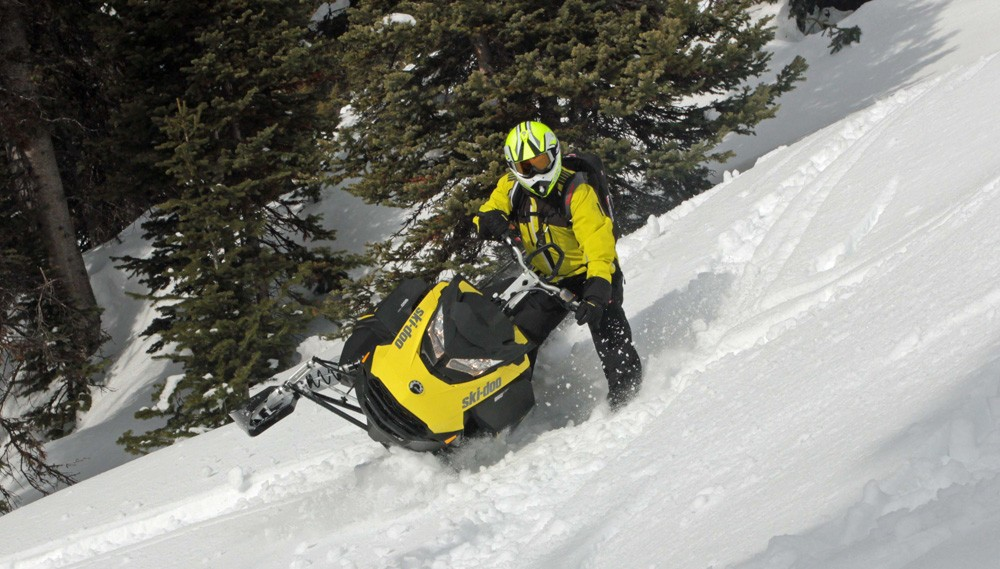 2017 Ski-Doo Summit SP 850 Sidehill