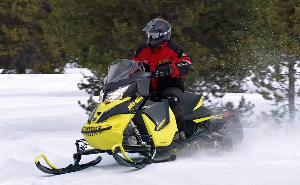 Ski-Doo 1200 MXZ Action
