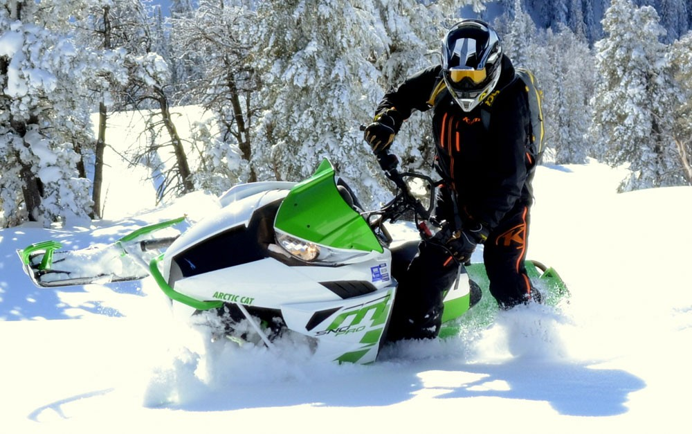 2017 Arctic Cat M6000 1