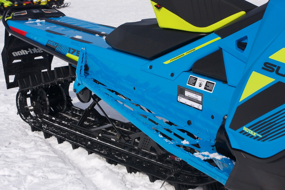 2018 Ski-Doo 850 Summit X 175 Runningboards