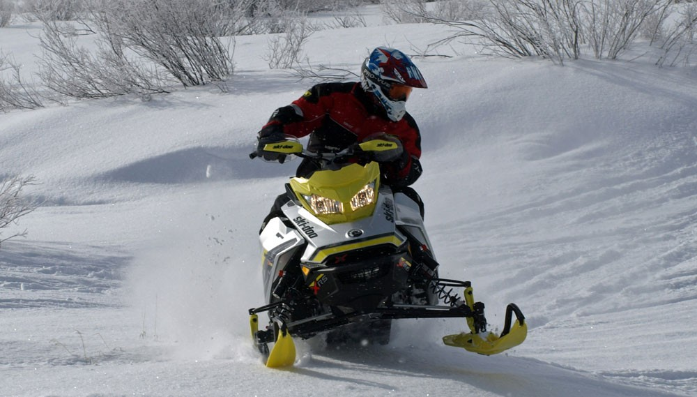 2018 Ski-Doo MXZ X-RS 850 Action Cornering