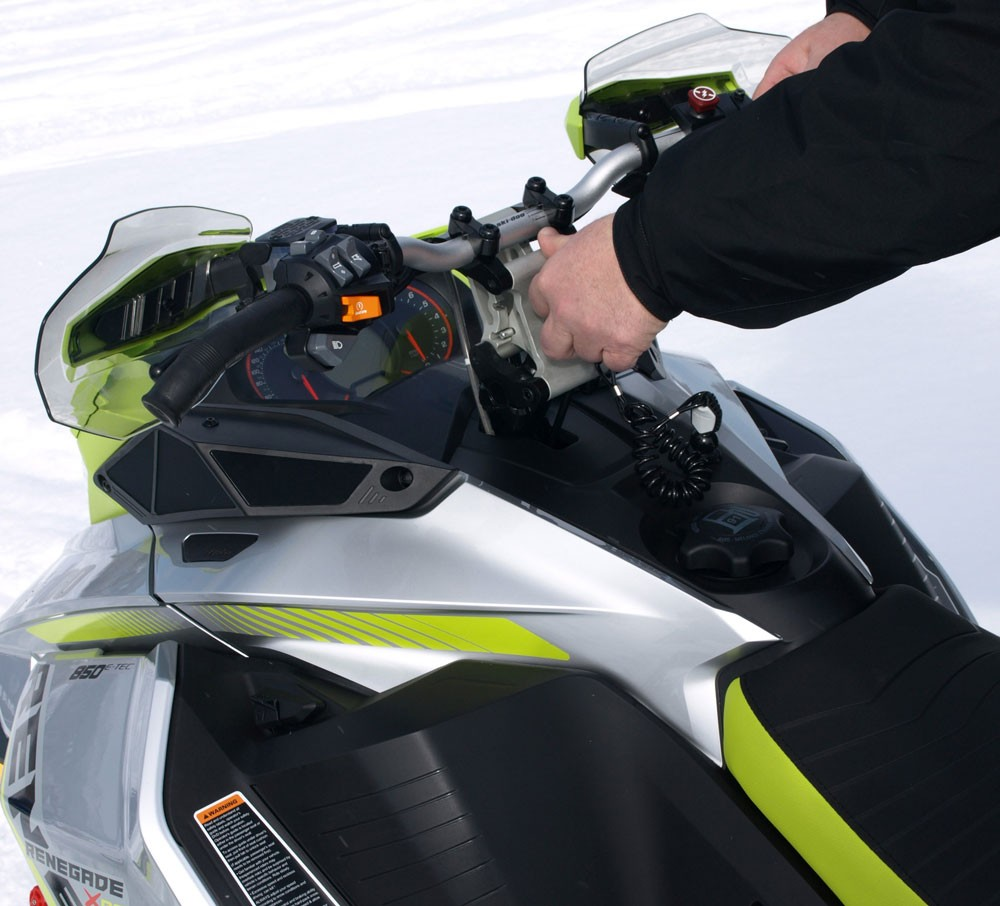 2018 Ski-Doo MXZ X-RS 850 Handlebar