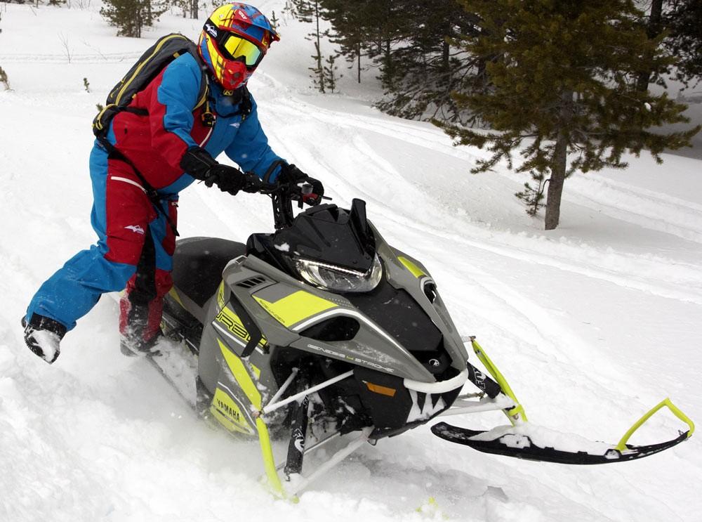 2018 Yamaha Sidewinder B-TX Ski Stance