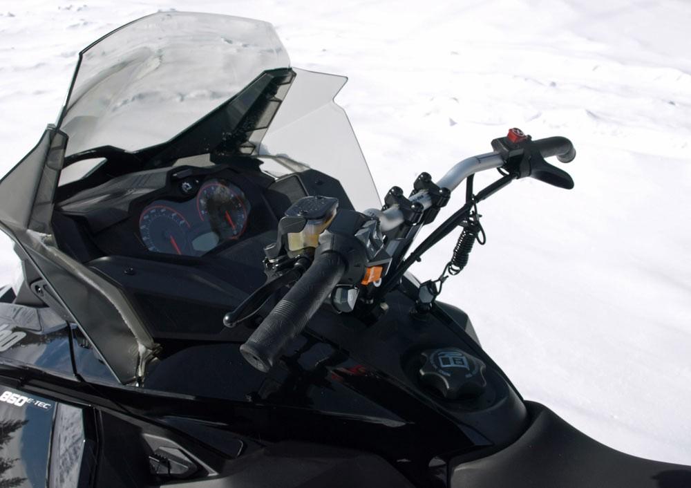 2018 Ski-Doo MXZ TNT 850 Driver Controls