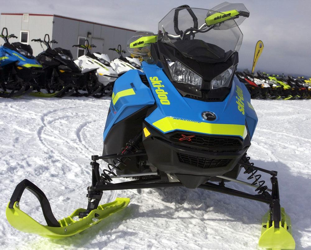 2018 Ski-Doo Renegade Backcountry X 850 Front End