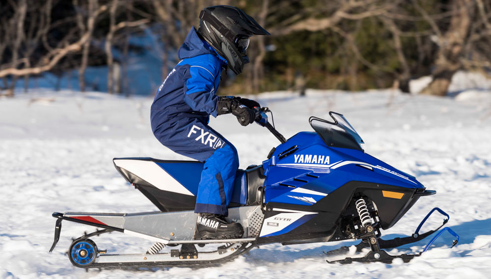 Snowmobiling 39 s new 200s for New yamaha snowmobile