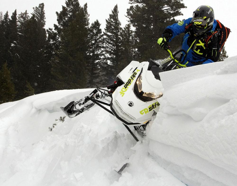 2018 Ski-Doo 850 Freeride 137 Action