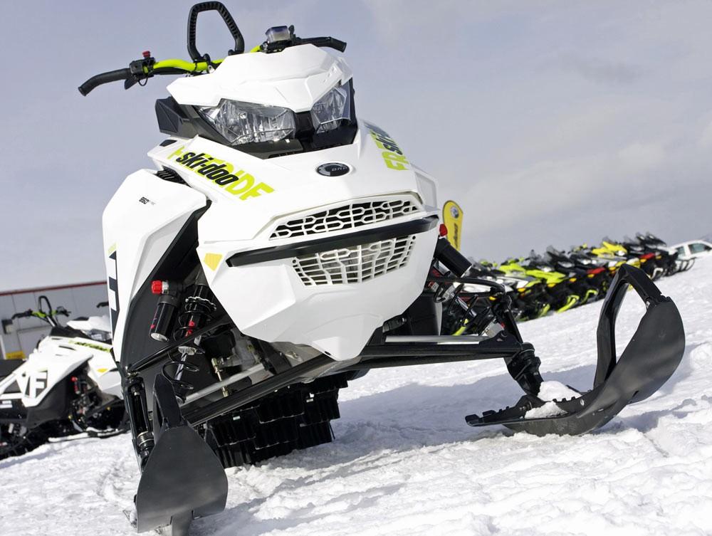 2018 Ski-Doo Freeride 146 Front