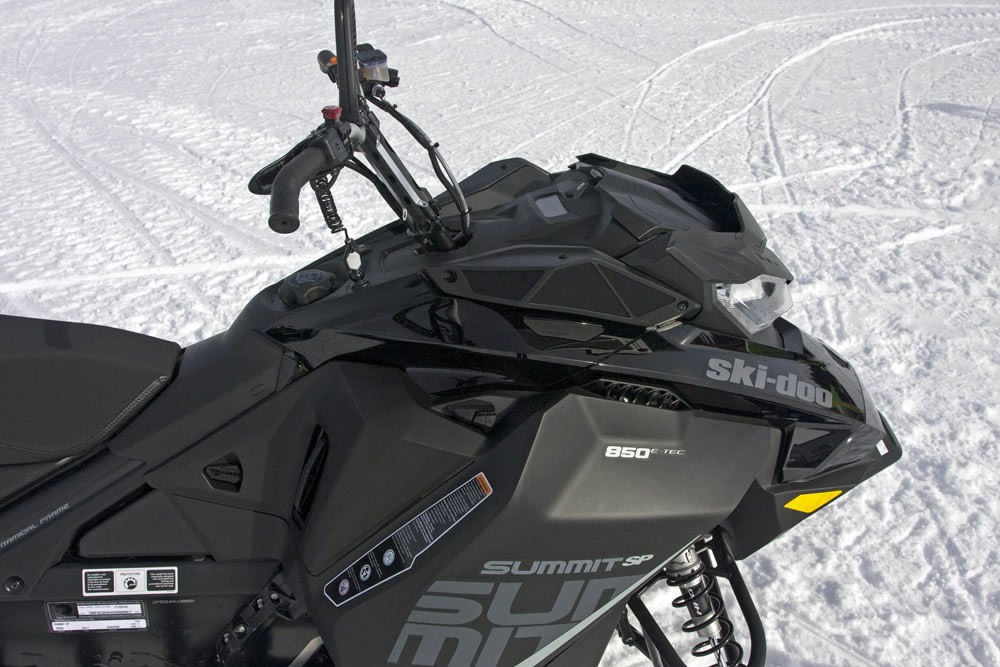 2018 Ski-Doo Summit SP 146 Cockpit