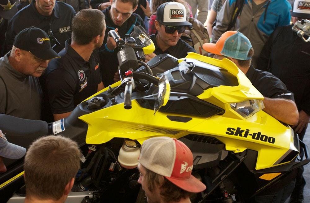 2018 Ski-Doo MXZx 600RS E-TEC Race Fans