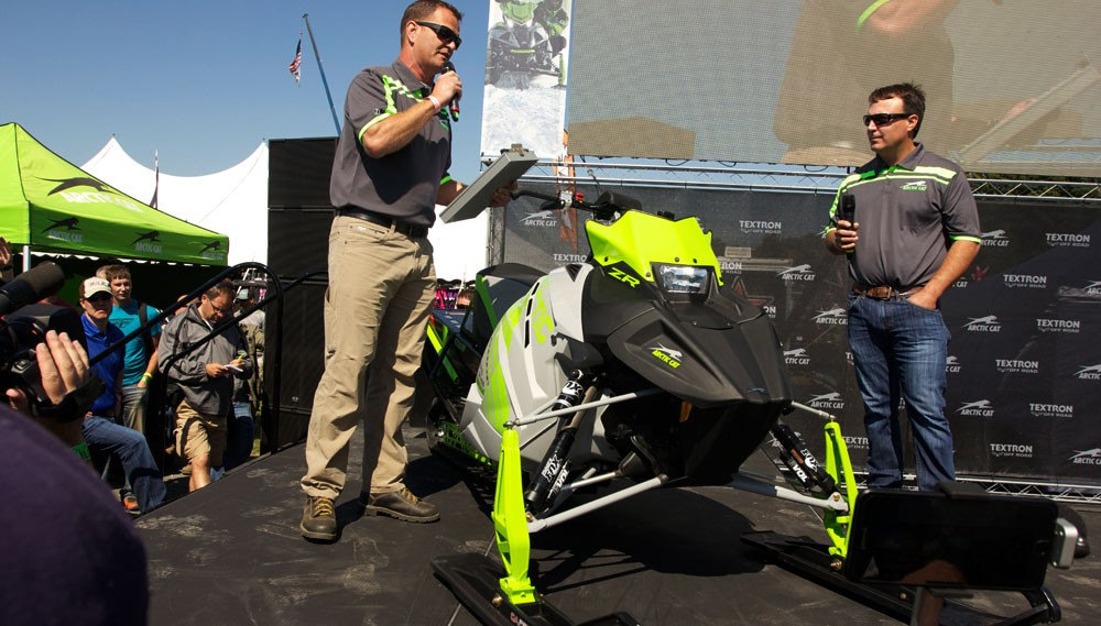 Arctic Cat ZR6000R Reveal