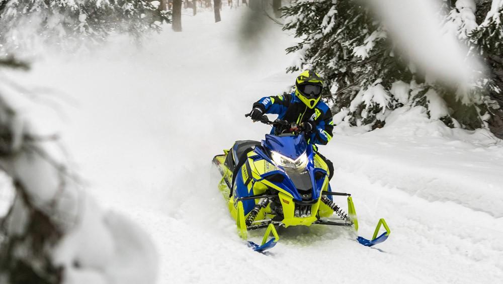 2019 Yamaha Sidewinder L-TX LE Action