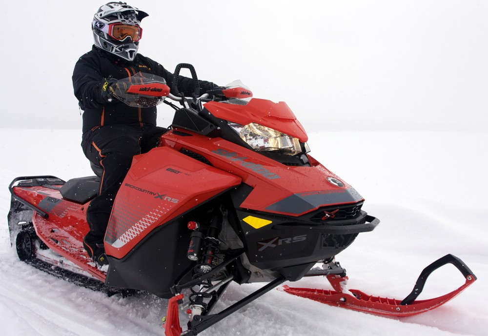 2019 Ski-Doo Backcountry X-RS Front
