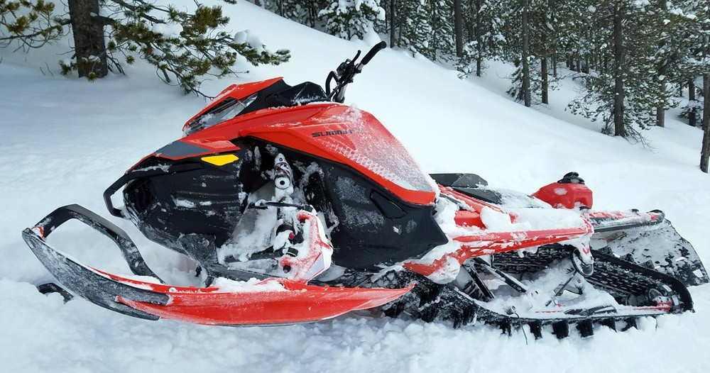 2019 Ski-Doo Summit X 1
