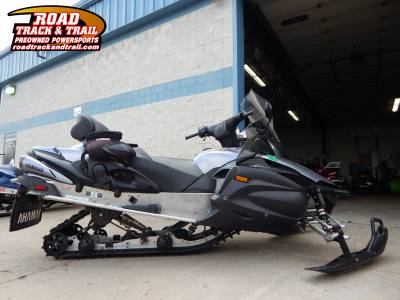 Touring snowmobiles touring snowmobile reviews videos for 2006 yamaha vector gt reviews
