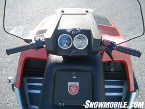 Alouette�s Super Brute gave snowmobile consumers the first handlebar mounted console incorporating the headlamp.