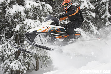Powder riding is about maximum power and minimum weight like you get in Cat�s M 1000.