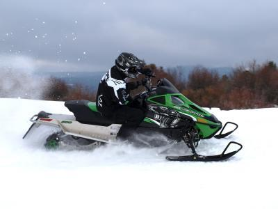 2011 Arctic Cat F8 Action
