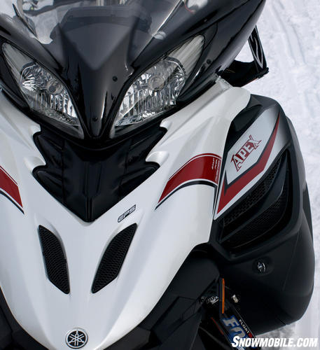 2013 Yamaha Apex SE headlights
