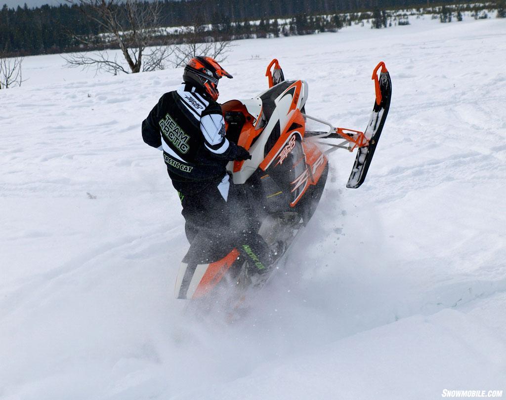 > 2014 Arctic Cat ZR 7000 Action Jump