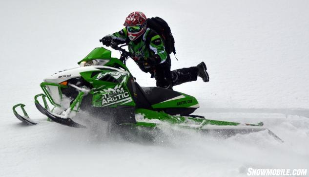 2014 Arctic Cat M9000 162 Action