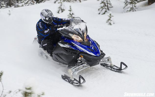 2014 Yamaha Apex XTX Action Front Right