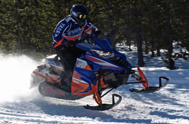 2015 Yamaha SR Viper RTX SE Action Straight Line