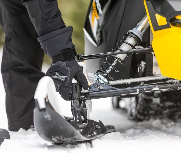 2016 Ski-Doo MXZ Blizzard Adjustable Pilot TS Ski