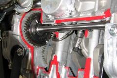 031416-2017-yamaha-sidewinder-xtx-engine-cutaway-balancer-dry-sump