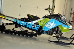 In an optional wrap, the850 Gen-4 REV Freeride 165 is serious about deep powder and deep drops.