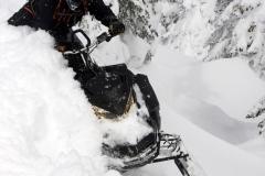2019-Ski-Doo-Summit-X-3