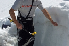 Mike Duffy of Avalanche1.com demonstrates a method to to determine weak layer in the snow pack.