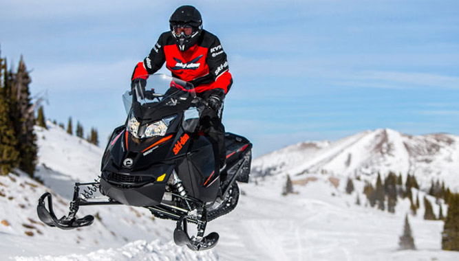 2016 Ski-Doo Renegade Adrenaline 1200 4TEC vs  600 E-TEC