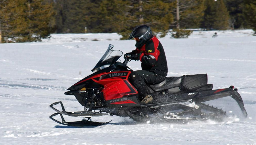 Snowmobile Helmets For Sale >> 2016 Yamaha Viper S-TX 137 DX Review - Snowmobile.com