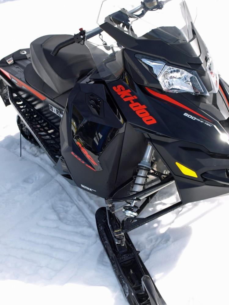 2016 Ski-Doo Renegade Adrenaline 800R Ski