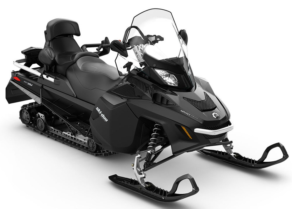 Ski Doo  Vs Arctic Cat