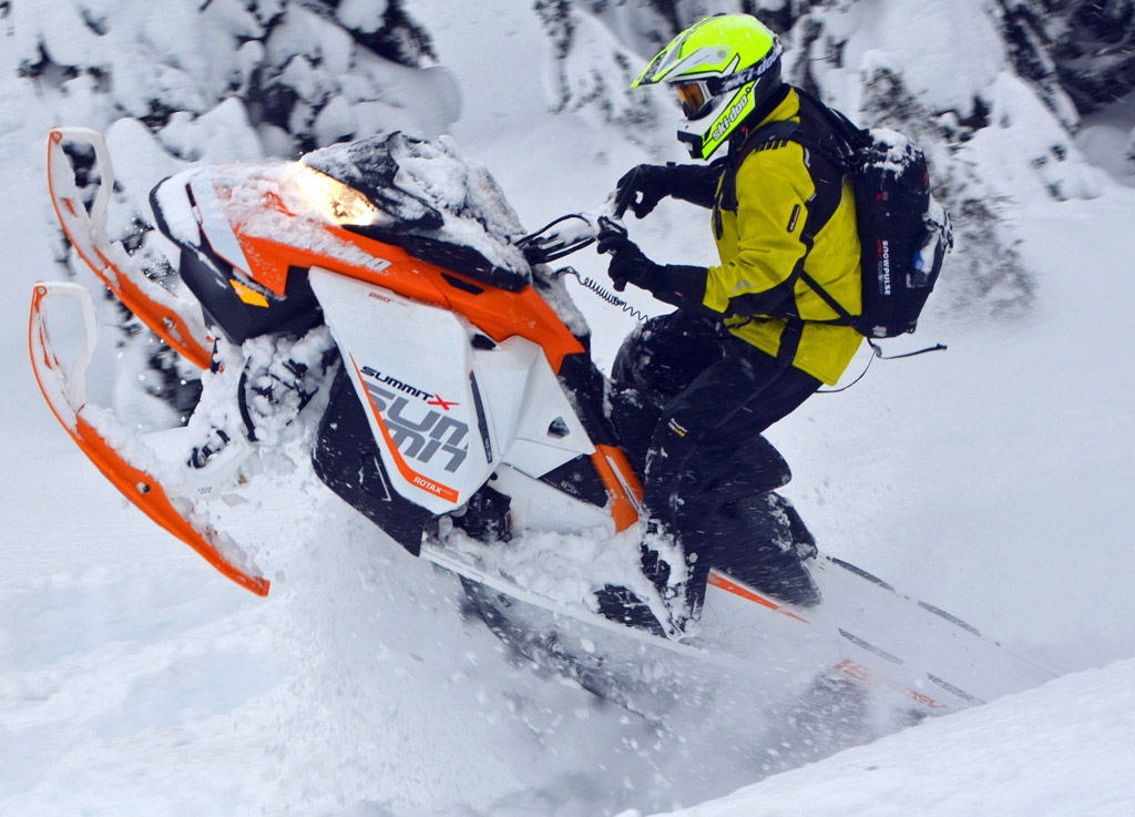 ski doo offers new 850cc mountain snowmobile for 2017 snowmobile com