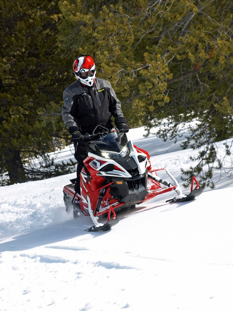 Between the sled's 180 horses and bite of the 2.25-inch lugs on the 141-inch-long track, the Sidewinder X-TX 141is easily at home breaking its own trail.
