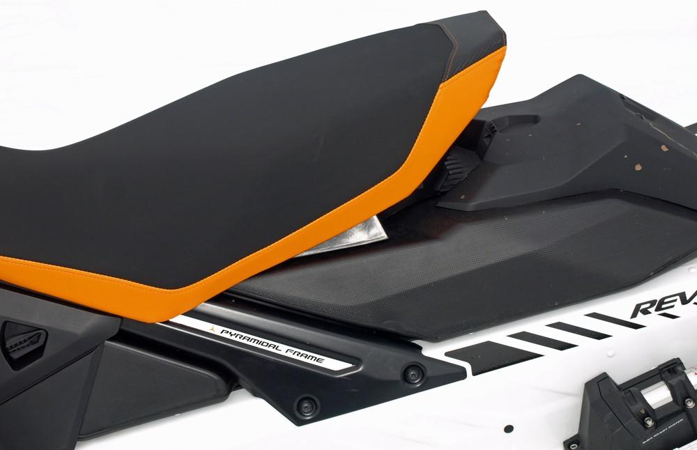 2017 Ski-Doo Renegade 850 X Seat