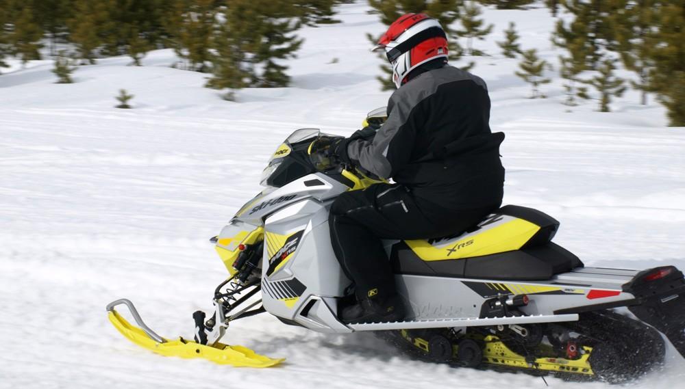 2017 Ski Doo Mxz Xrs 800 Action Profile